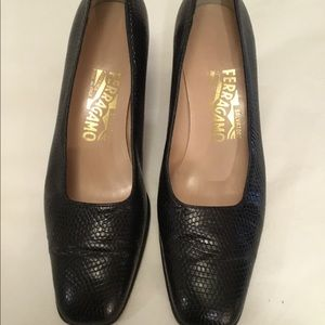Salvatore Ferragamo black snake skin Shoes Sz 7